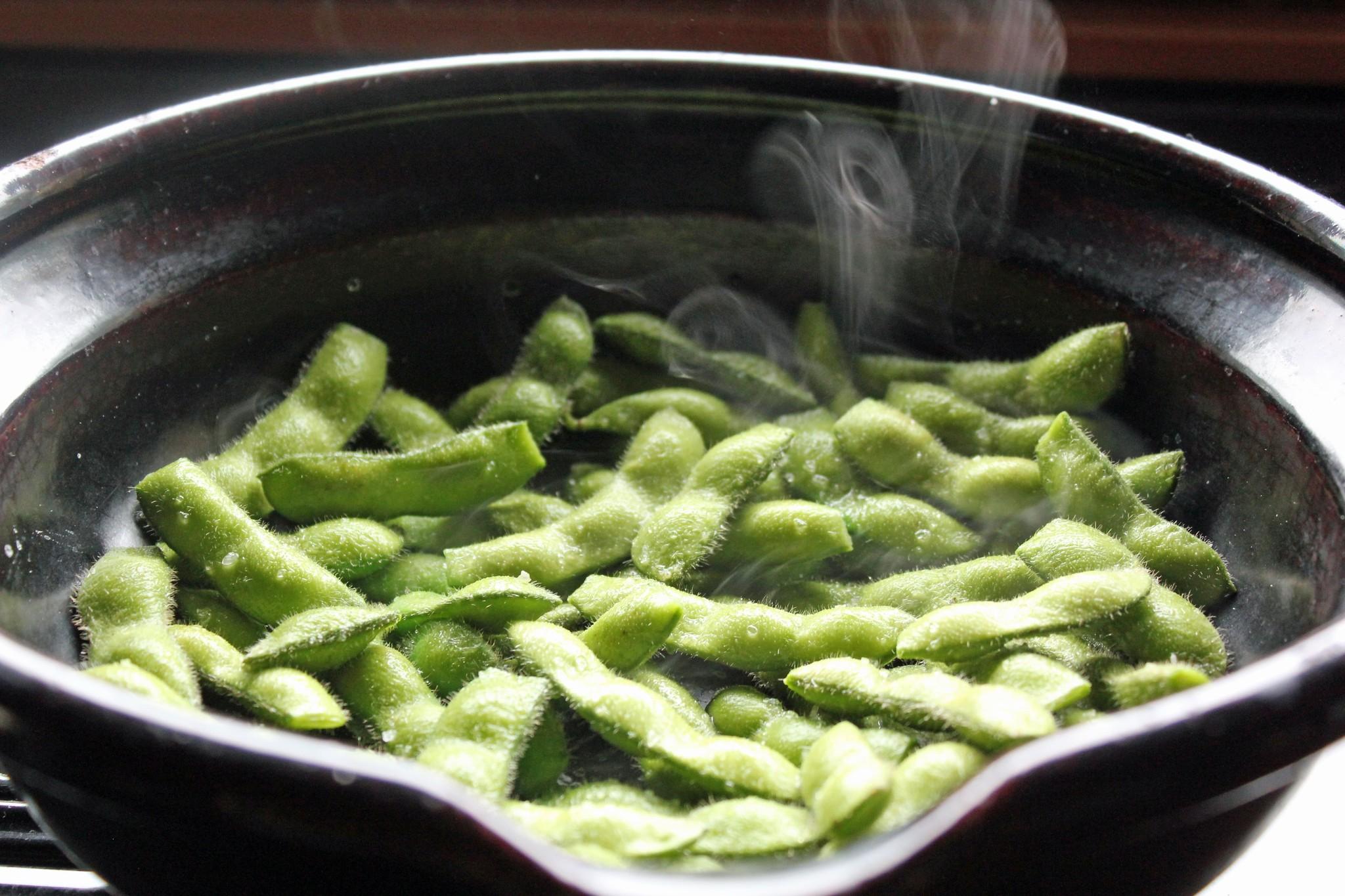 枝豆の土鍋蒸し