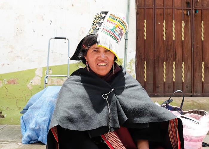 ボリビアの織物を求めて - Tarabuco(タラブコ)の日曜市 -