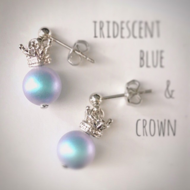 iridecent blue & crown:earrings