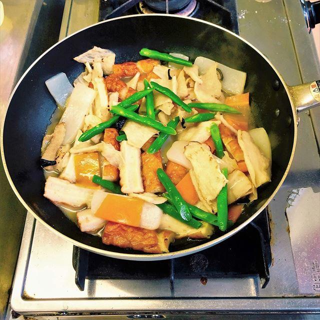 長崎県五島列島の郷土料理『鯨と平干大根の煮物』のこと。