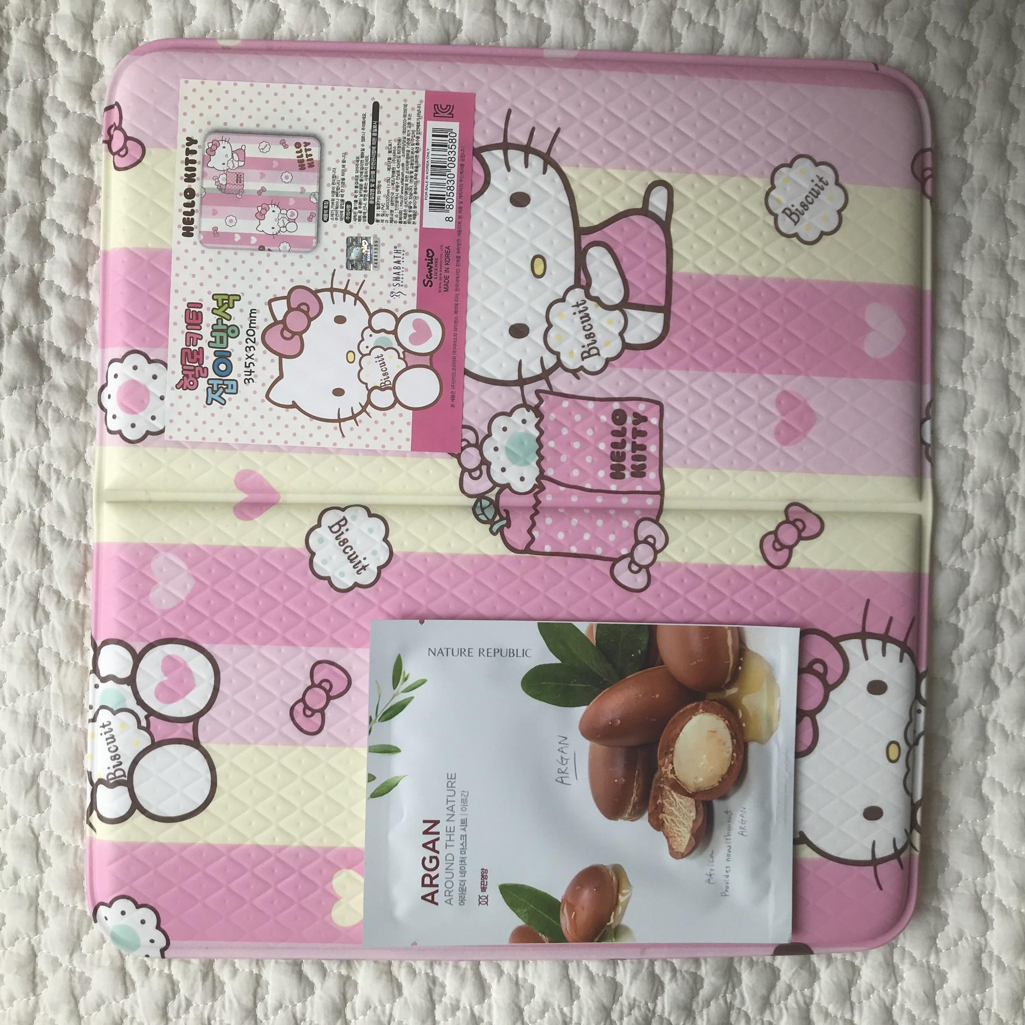 韓国雑貨♪サンリオ正規品 ハローキティのサウナマット