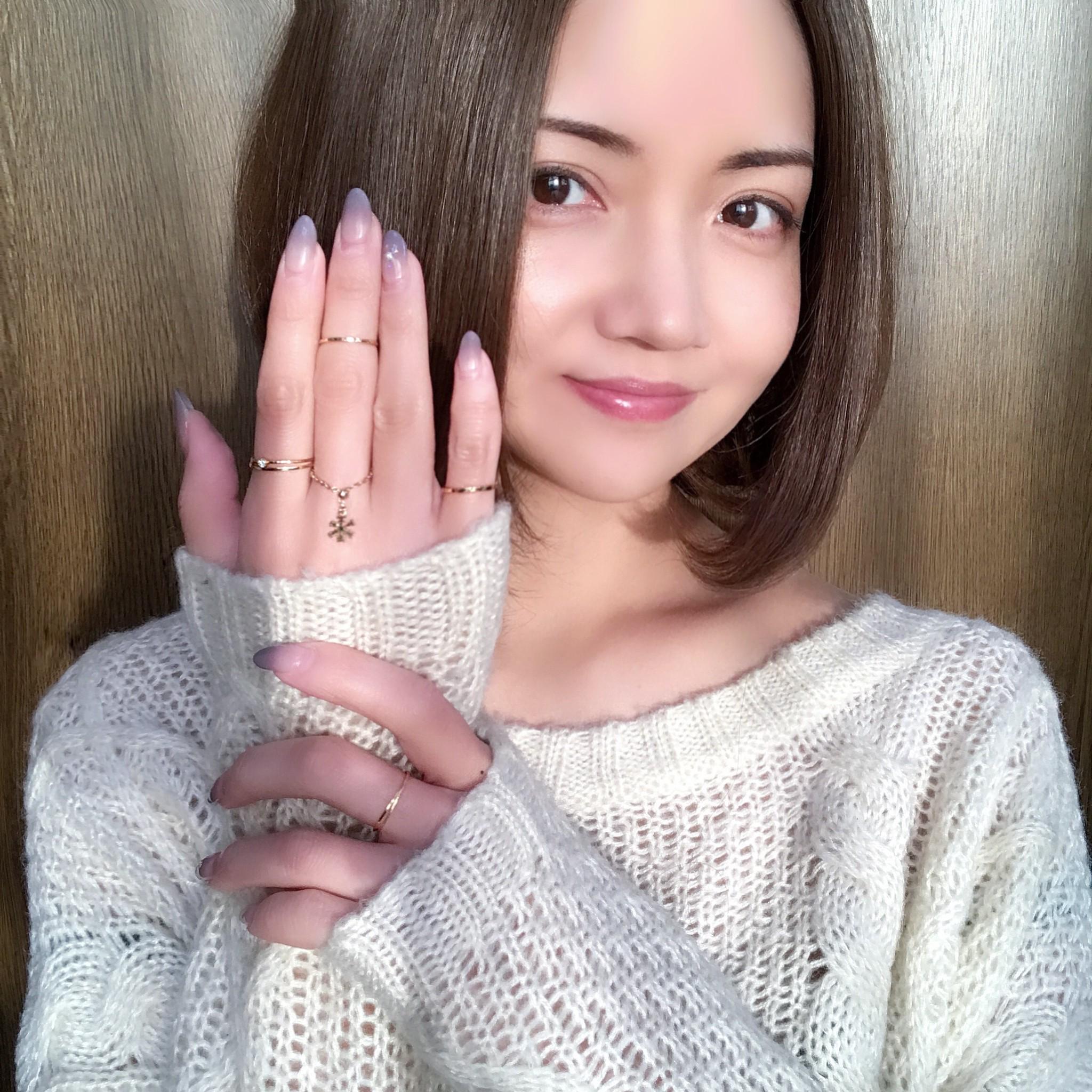 その日の気分で着けたい指に💍👌🏻長さを変更できるチェーンリングはサイズがわからない方への🎁にも😊