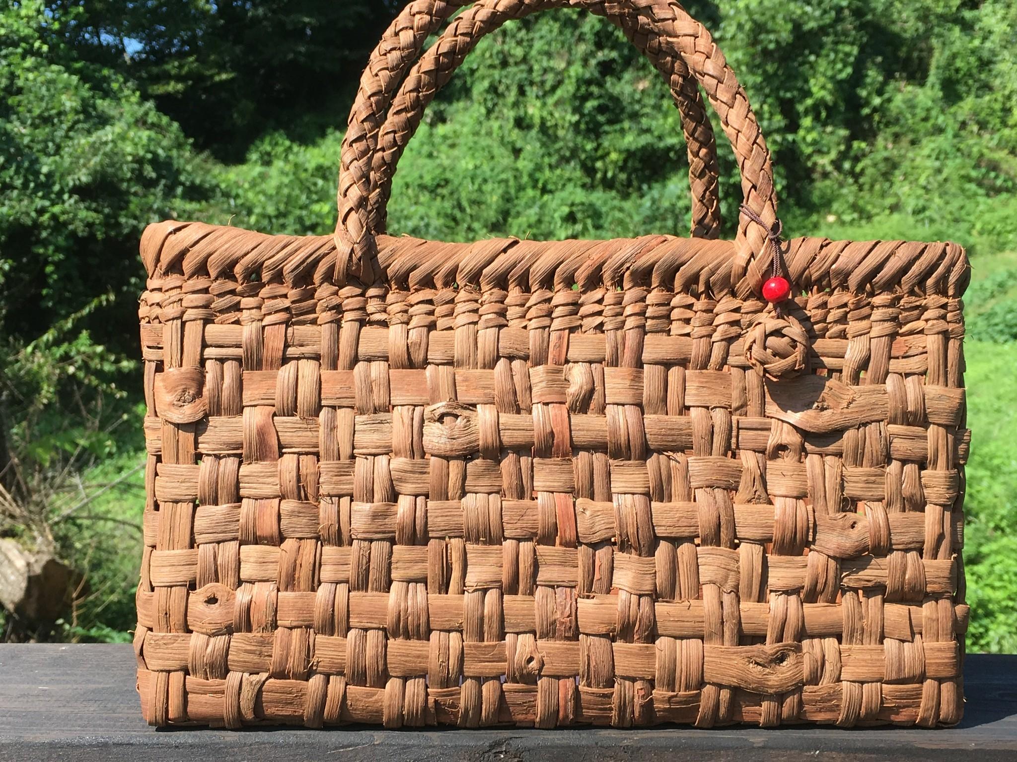 ひとつは欲しい!ハレの日にも、いつもの毎日にも、ずっと使える山葡萄のかごバッグ