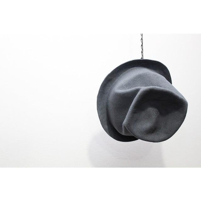 女性アーティストがハンドメイドで手がける【Your Hat Number】