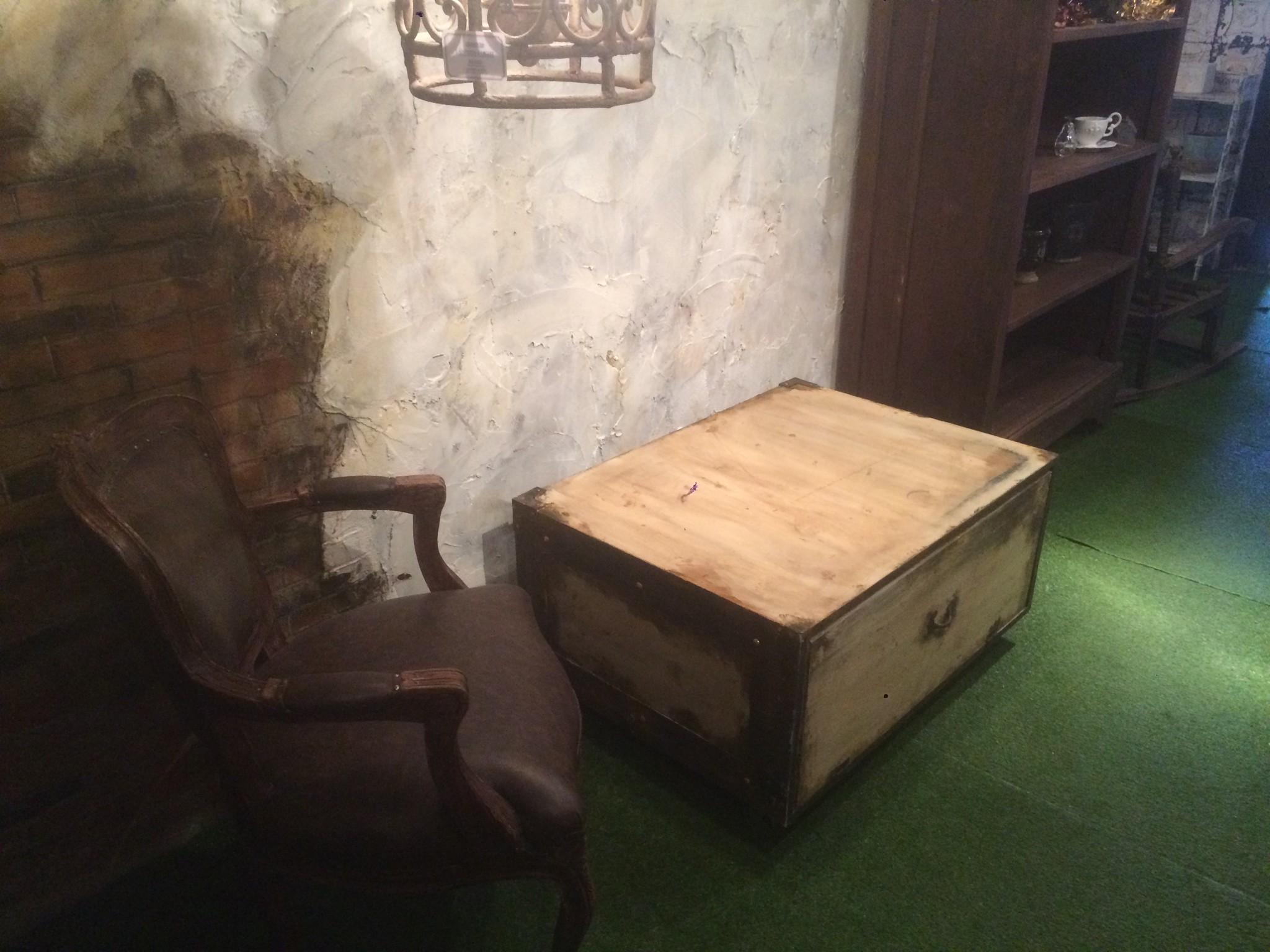 オリジナルトランク型テーブル