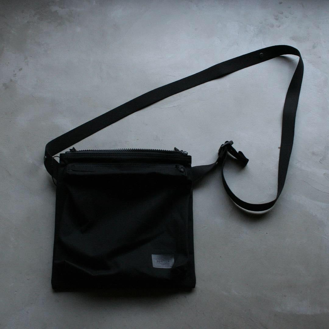 VAINL ARCHIVE CONNECTED PORTER / Shoulder bag