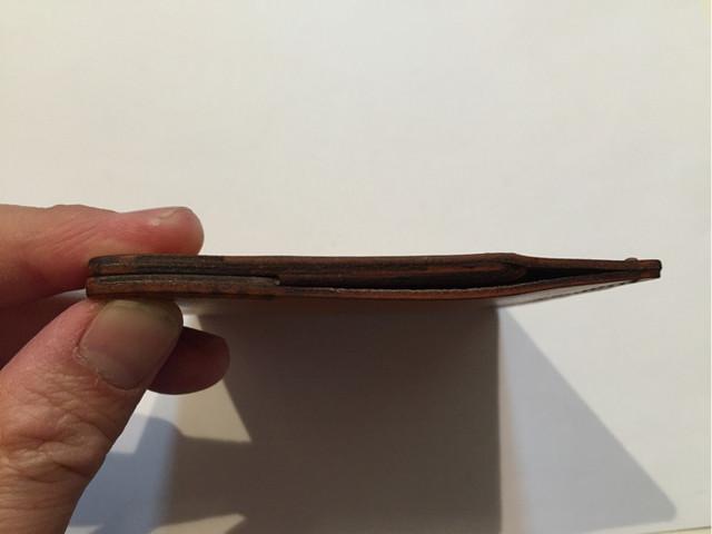 ペッタンコ財布「プロフェッサー1.5」はオシリ派のうす~い味方!?