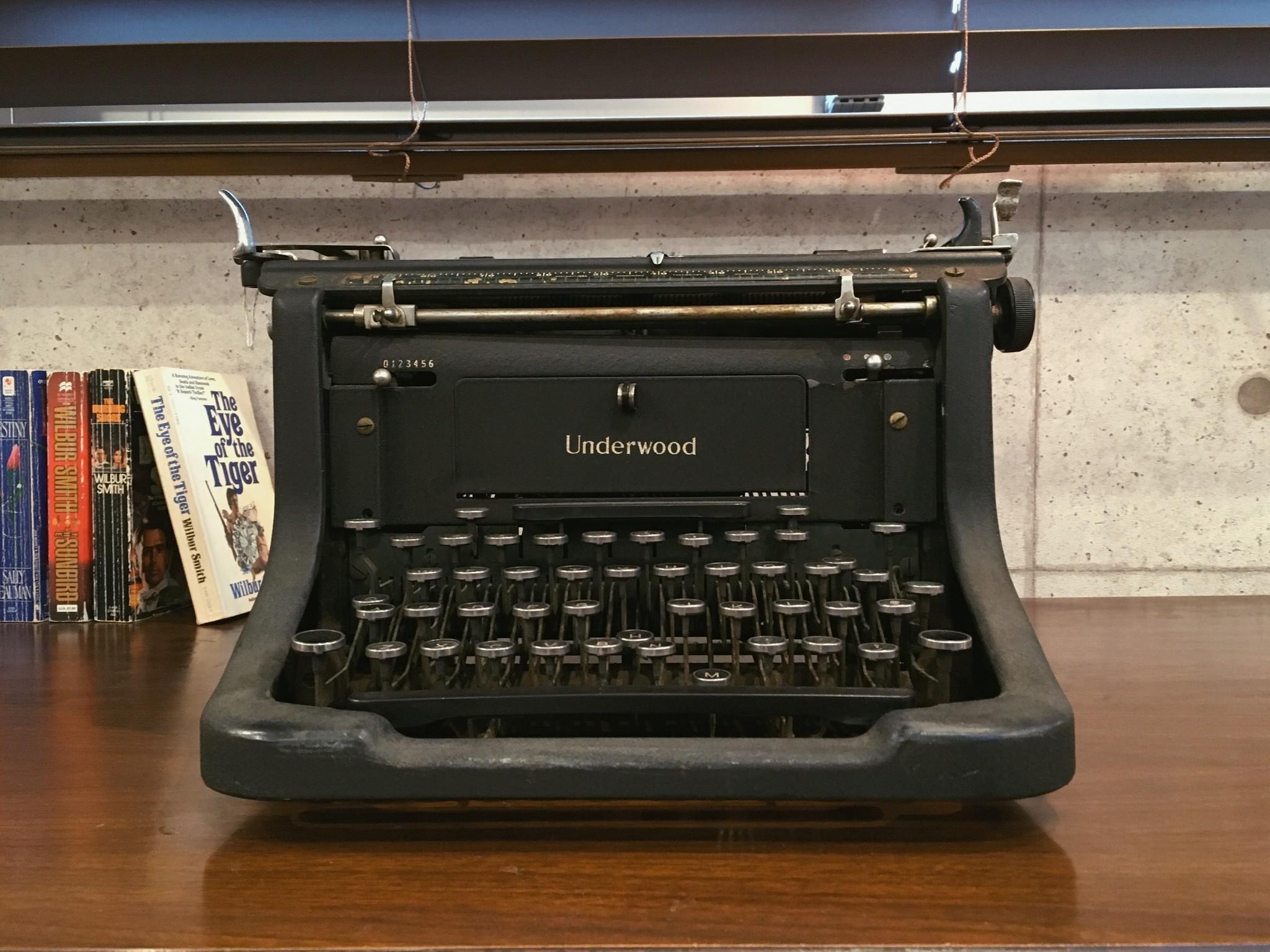タイプライター/Typewriterのご紹介!