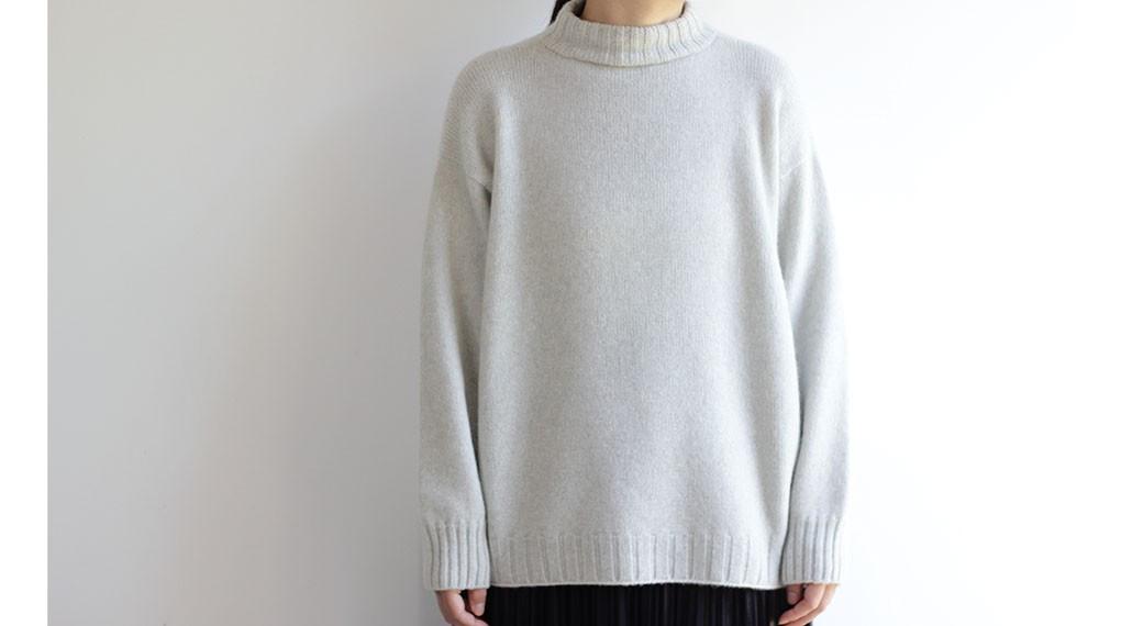 「手編み機で編んだセーター」の今月のご予約分が【残り1点】となりました。
