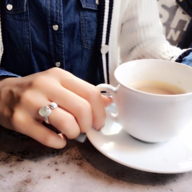 大人の女性の指元にぴったりなダブルストーンのリング