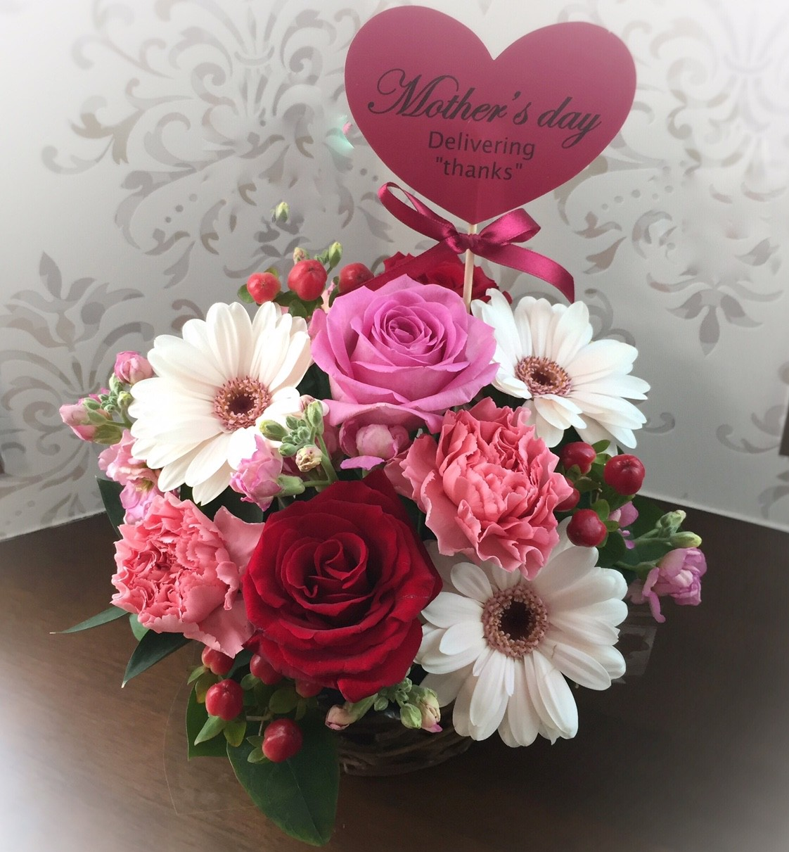 大切なお母さんへ⭐︎生花のアレンジメントで「ありがとう」の想いを伝えて見ませんか?