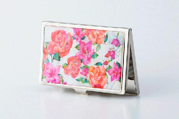 母の日ギフトにぴったりな♪華やかピンクの天然貝のカードケース