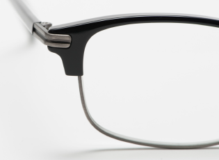 【特集】鯖江製の老眼鏡 「サー・モント」