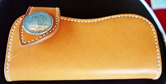 ハンドメイド 革で作る長財布のこだわり