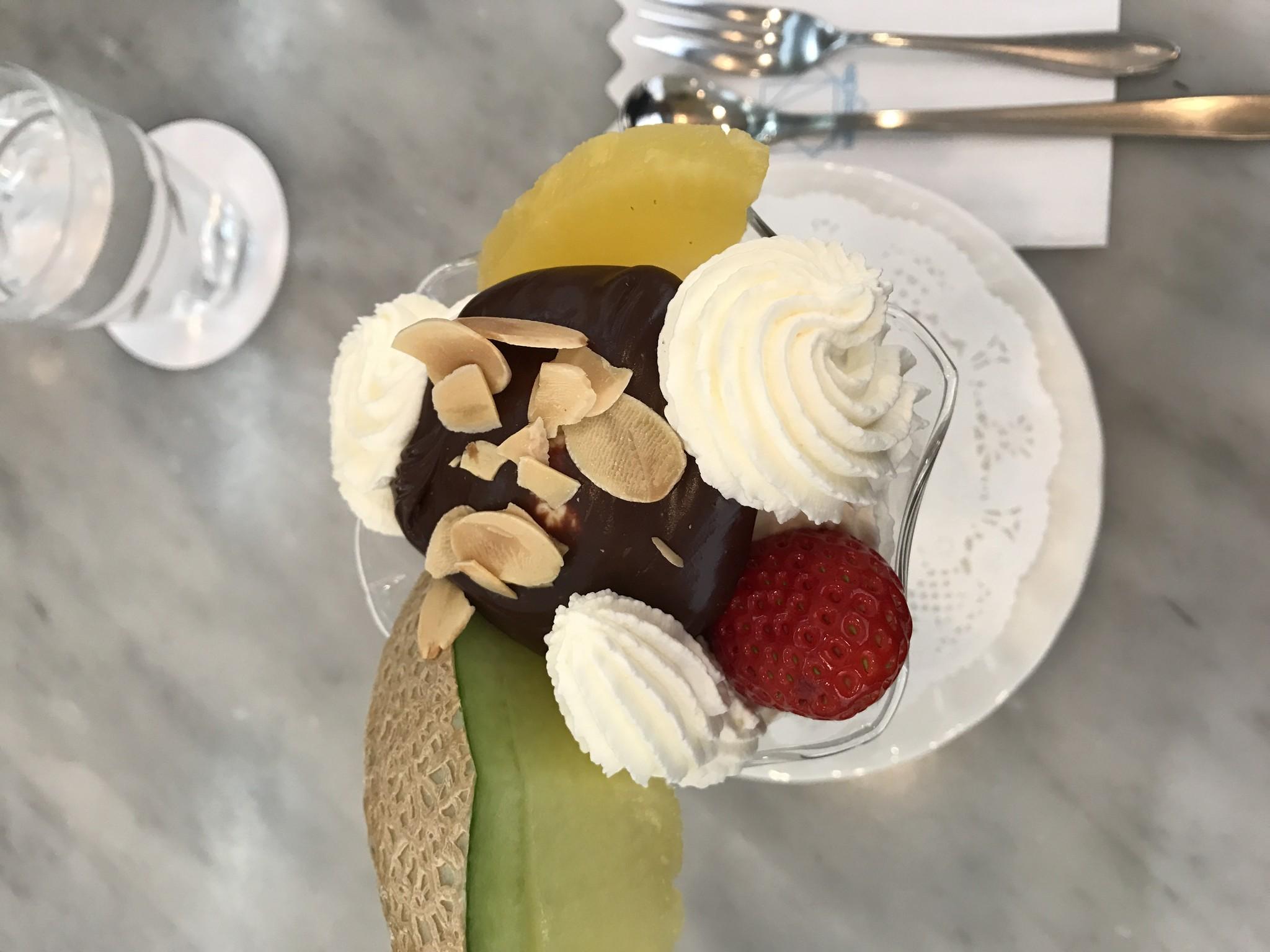 チョコパフェ