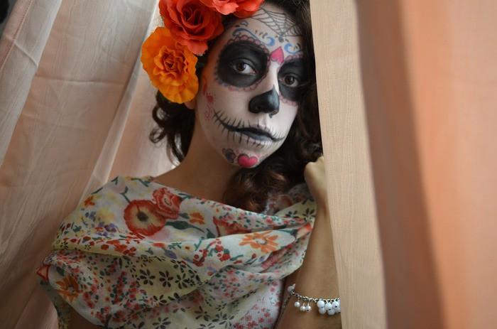 今年のハロウィンはこれ!メキシコ発【ガイコツメイク】に合うアクセサリー