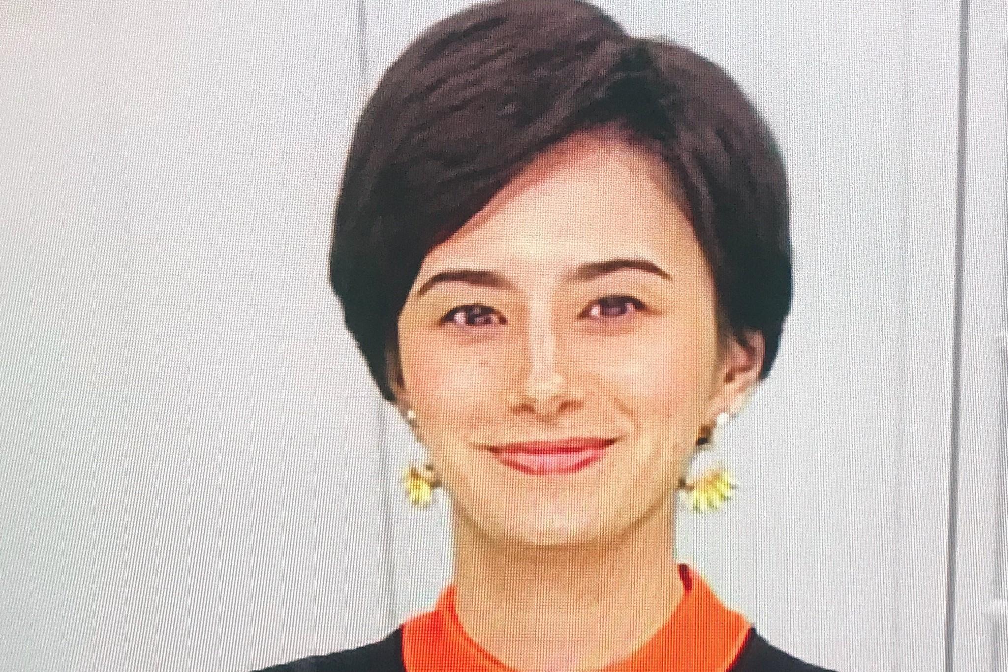 ホラン千秋さん着用-NHK Doki Doki!ワールドTV-