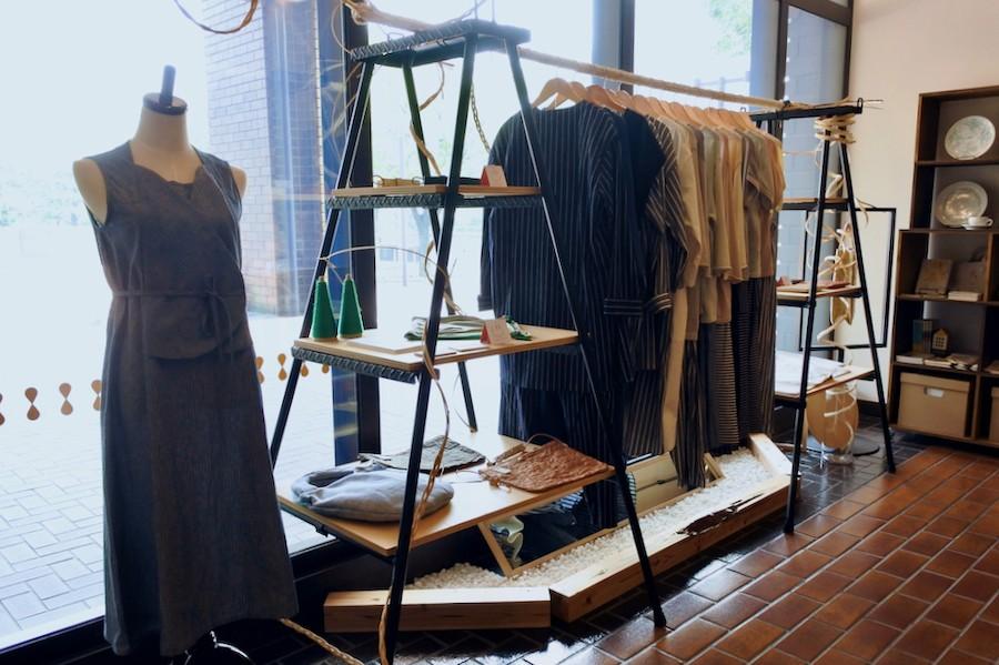 葉月と長月、窓辺の洋服展 by TULIP EN MENSEN 開催中