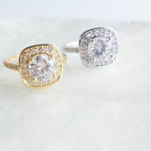 シンプルに大人な輝き☆Square Brilliance Ring