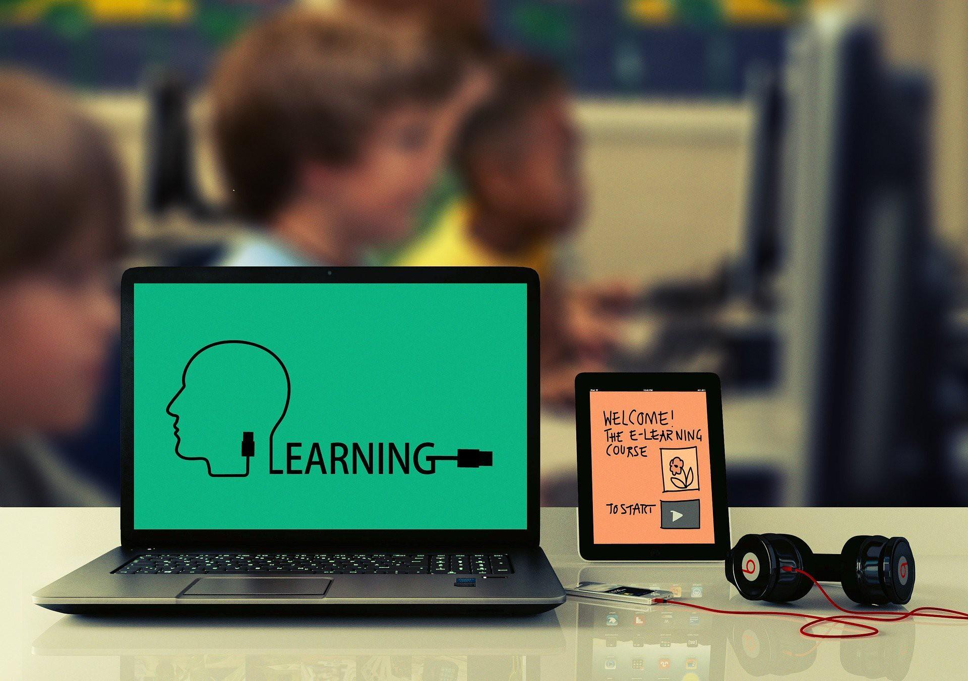 オンライン遠隔授業、eラーニングの導入に必要な契約書、約款・規約類