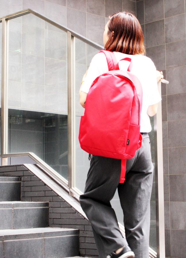 ミニマルデザインを取り入れた「MEI」バックパックで、普段のスタイルをより一層スマートに