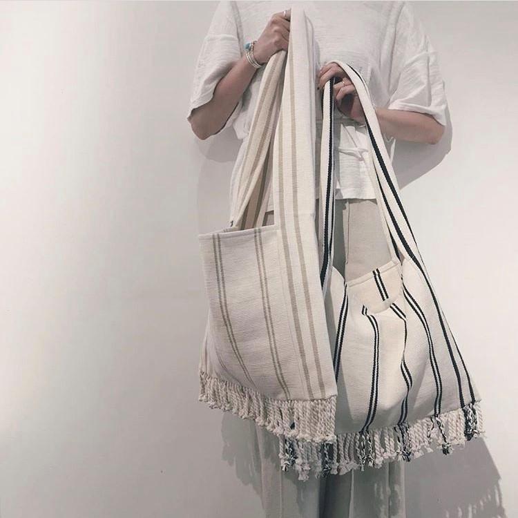 ナチュラルな素材が夏にピッタリ!荷物がたっぷり入るフリンジバッグ*