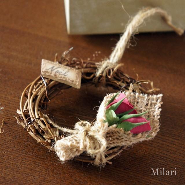 女性の憧れを小さなリースに!バラの花束をあしらったナチュラルテイストなクリスマスオーナメント