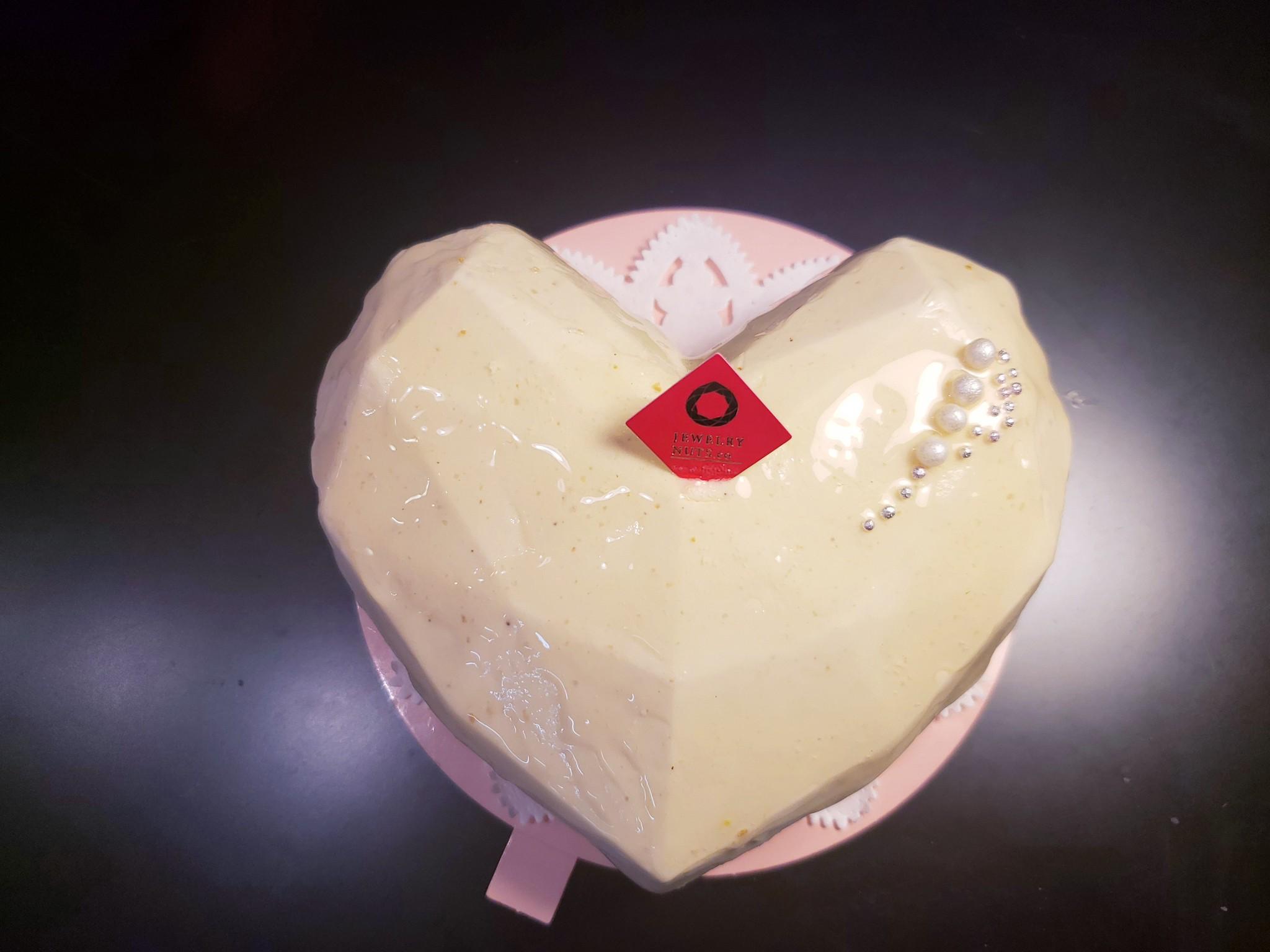 待望のケーキ 登場!!