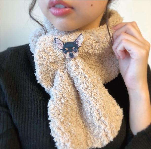手編みのマフラーと手編みのバック