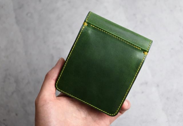 オーダーメイドVol.26  イエローステッチで世界に一つの二つ折り財布!