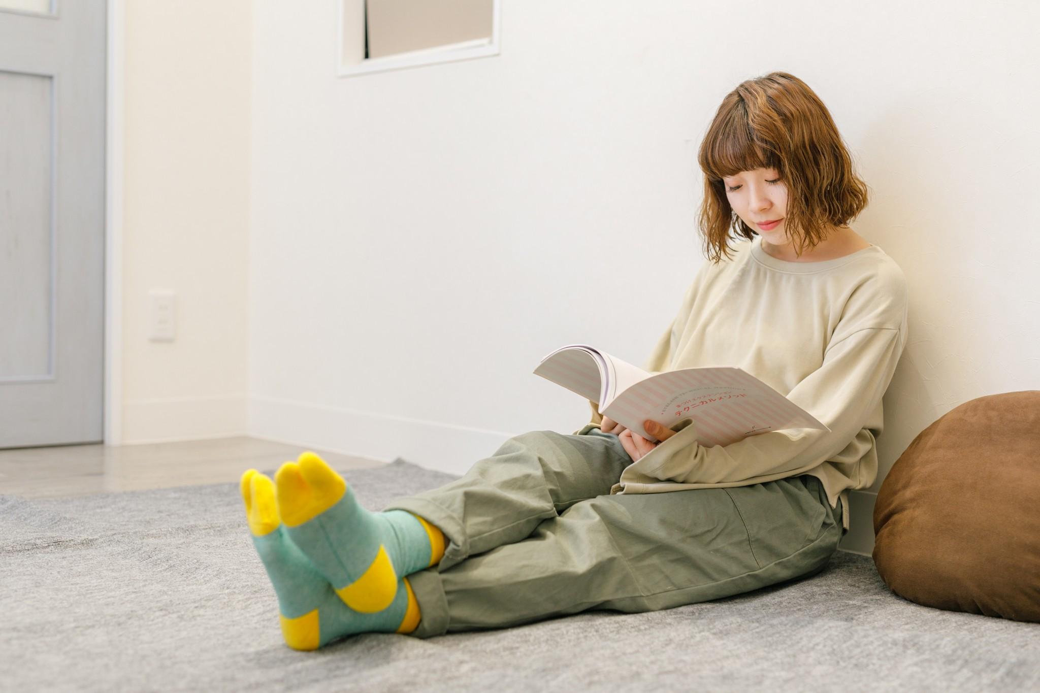 足もとから健康をサポートしてくれる足袋型の靴下「amitabi」