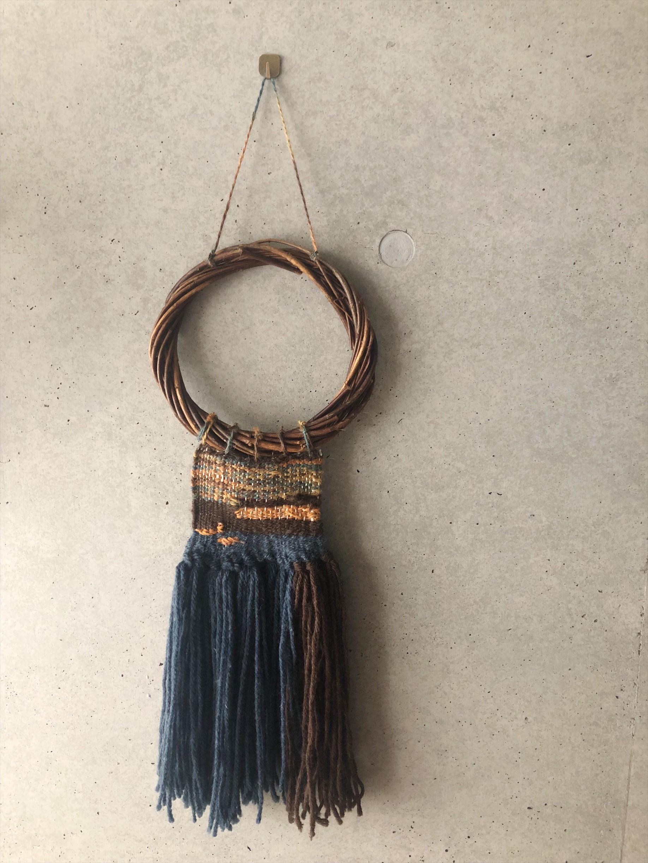 夏のお部屋コーディネートにプラスしたい、ひとつひとつ手織りのタペストリー