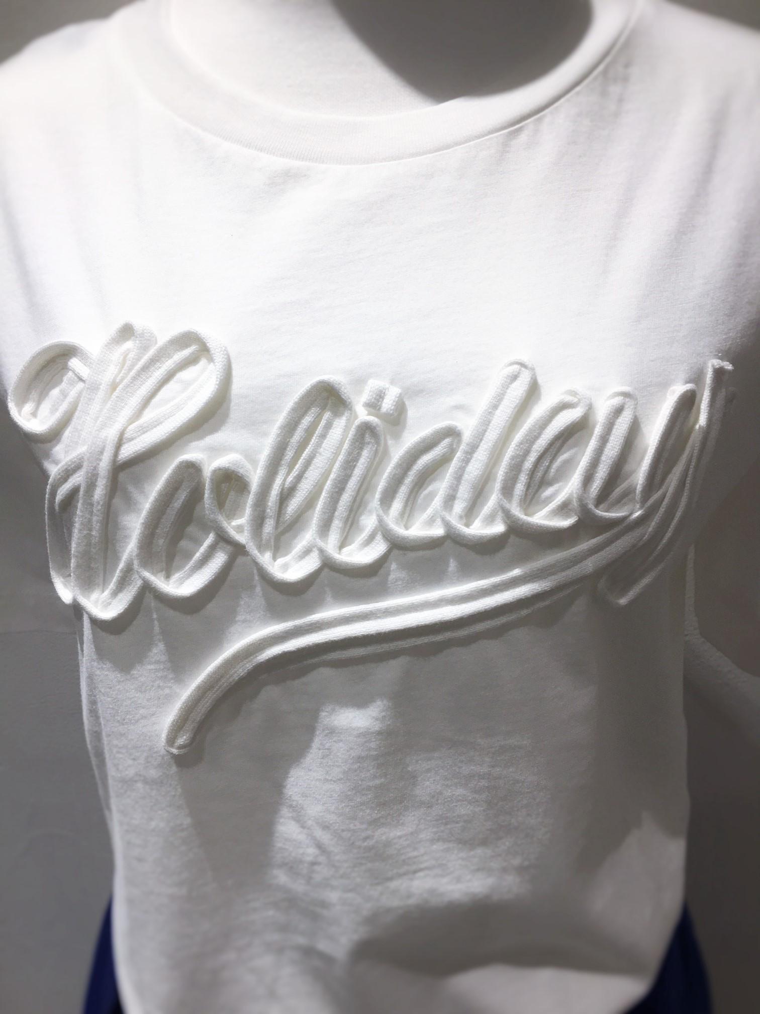 「Holiday」ロゴTシャツ!