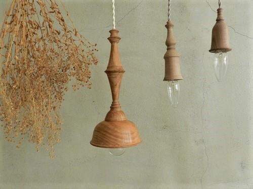 中村秀利さんの木製の照明