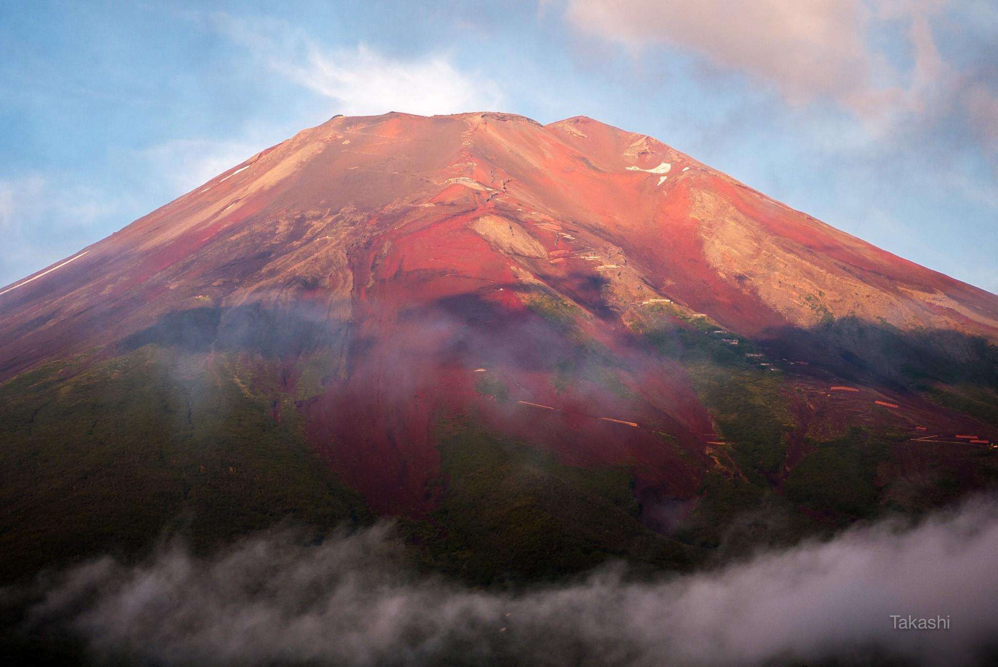 この夏、赤富士が撮れる可能性がぐっと上がる3つのポイント