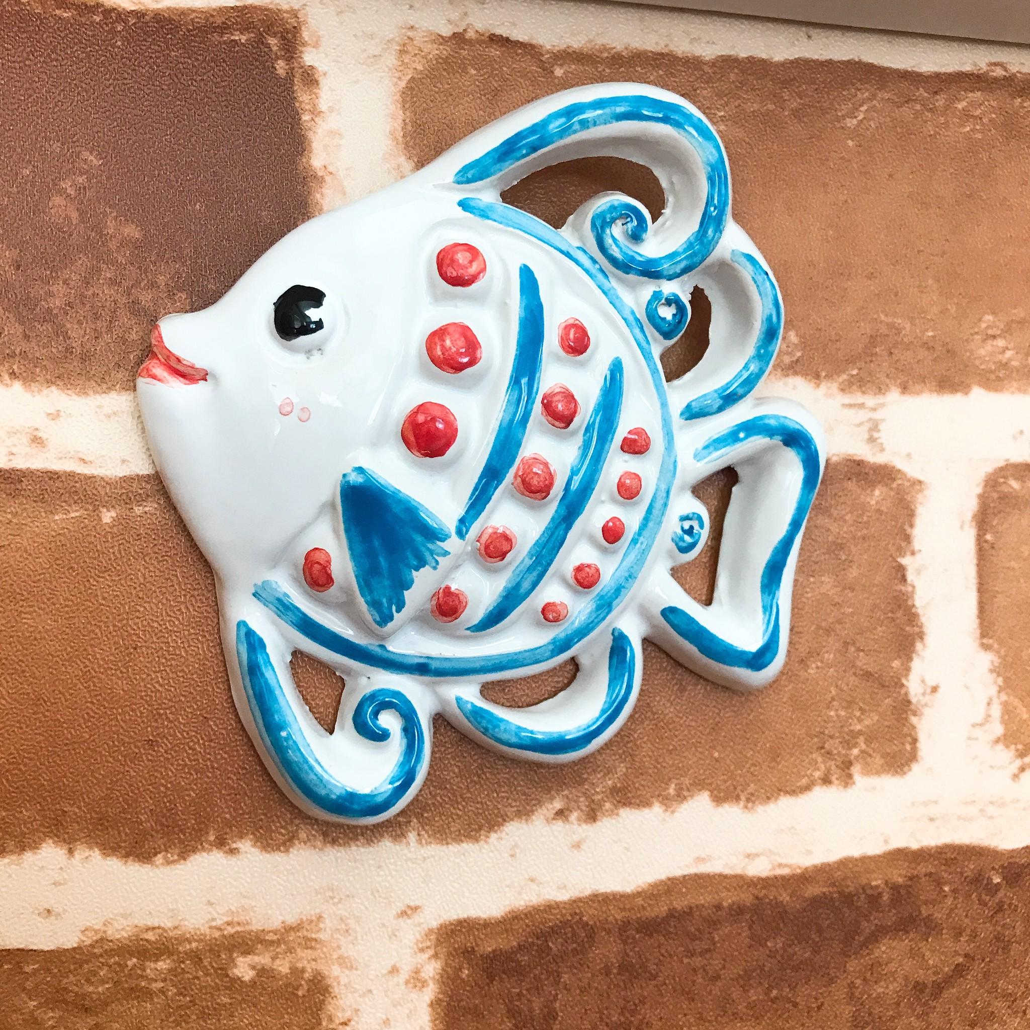 新作はかわいらしい魚の壁飾りです