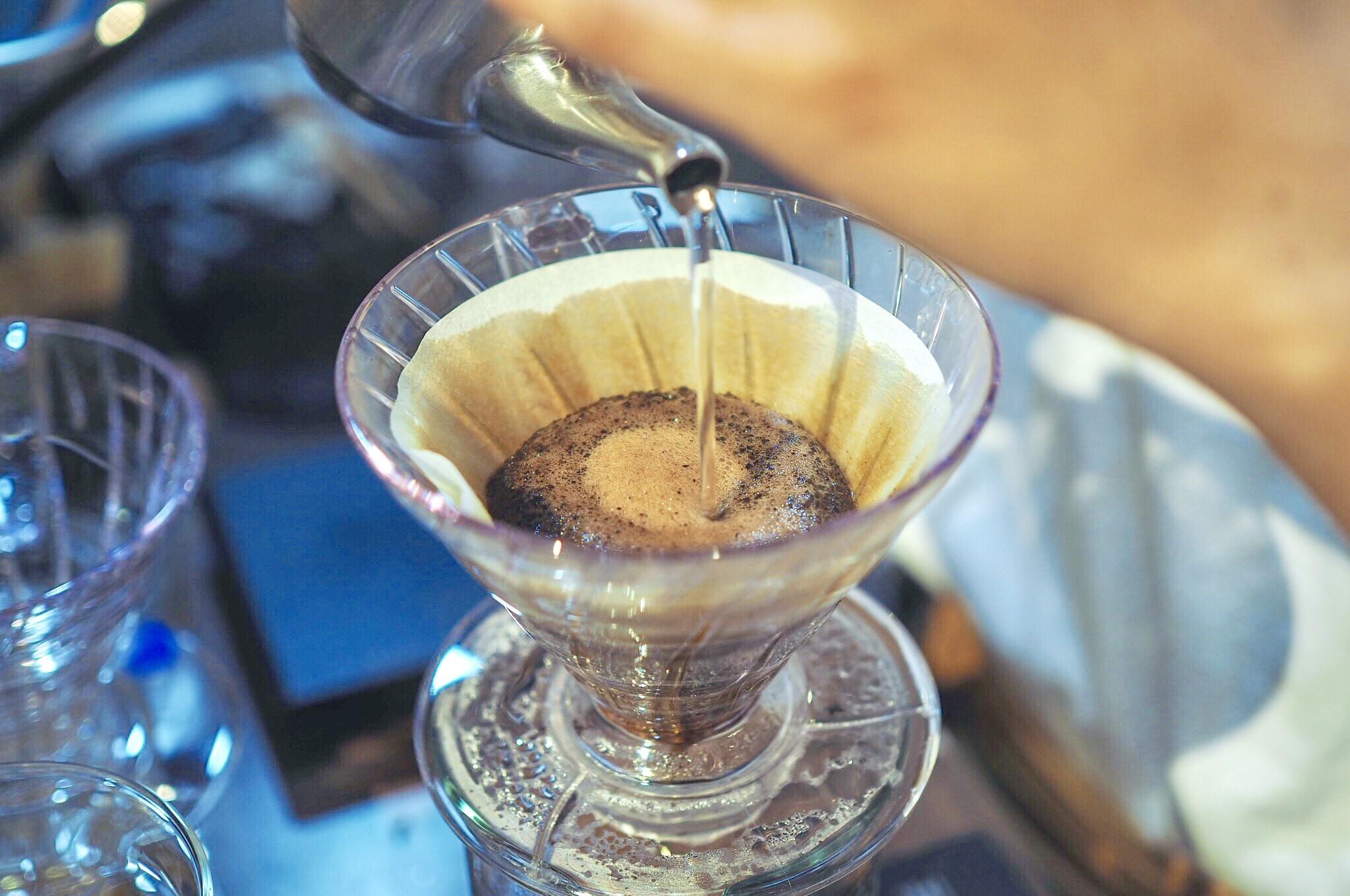 コーヒー豆を100gからご購入いただけるようになりました。