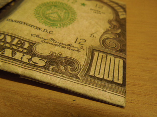 アメリカに行く時はご注意!! !本物の1000ドル札?と思ってしまうほどの3つ折り財布