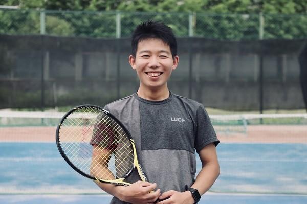 """テニスが好きすぎるコーチが語る""""しんどい一生懸命より楽しい一生懸命""""とは!?【岡田コーチレビュー】"""