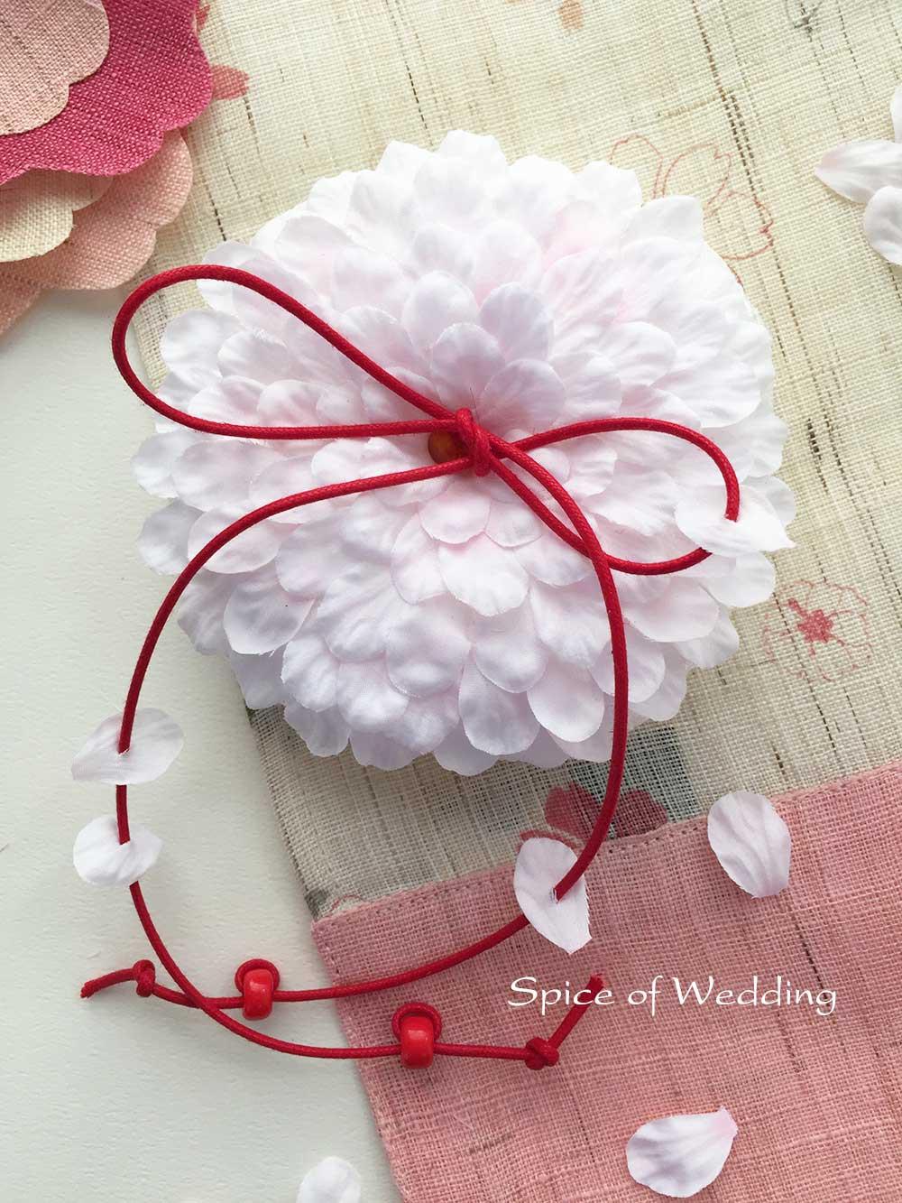 新春の挙式にふさわしい桜の花びらリングピロー