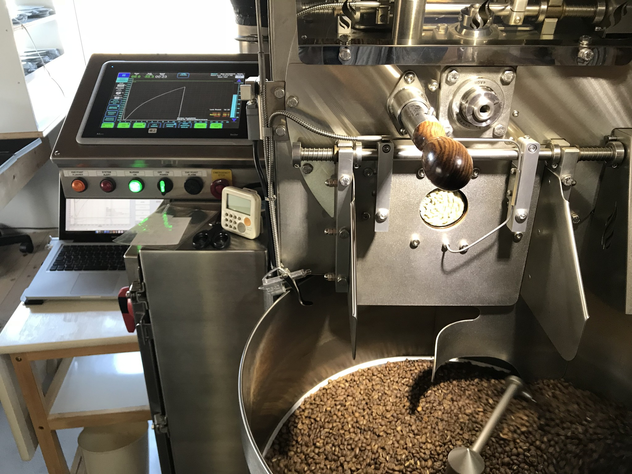コーヒー豆の焙煎機
