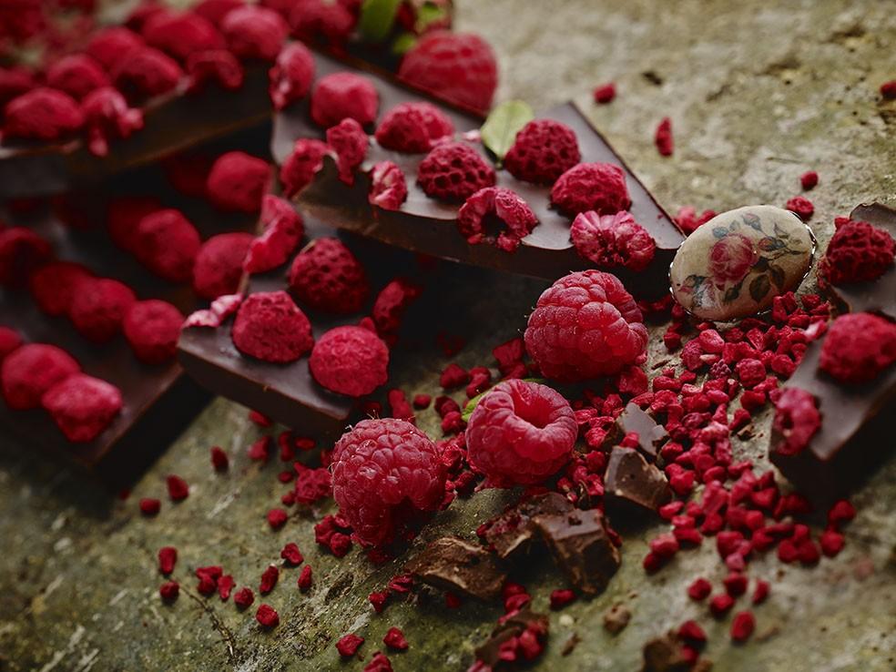 ラトビアの森の恵みがたっぷり♪「ネレウラ」のチョコレートバーはギフトに最適!