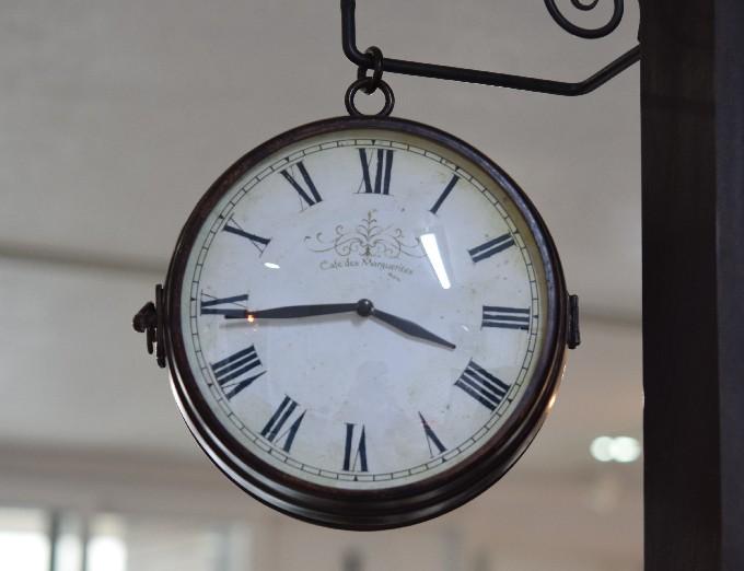 vintage フレンチ  ボスサイドクロック  吊り時計を取り付けました。