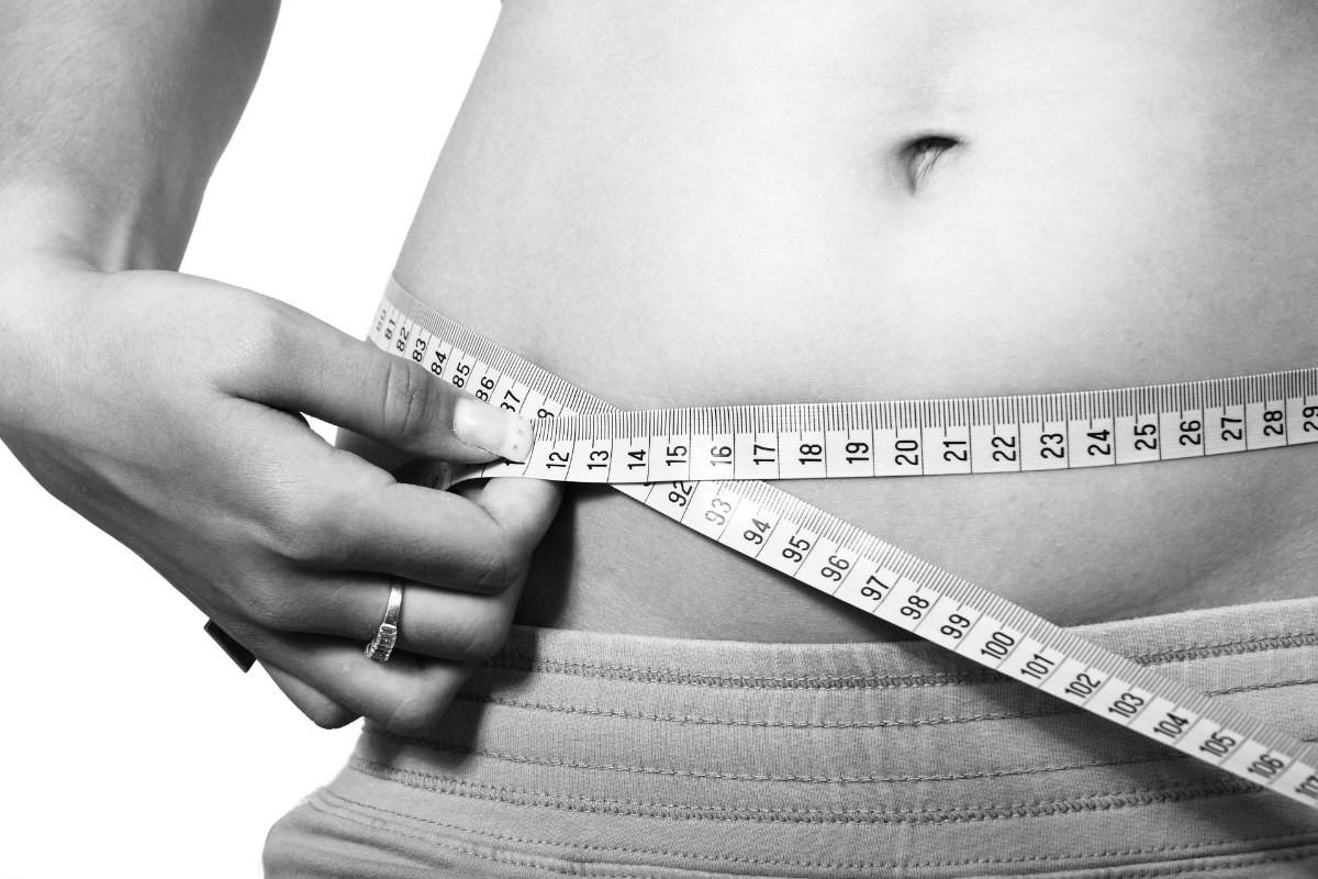 🌿 CBDオイルはダイエットに効果的か?