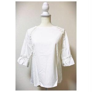 ❤︎刺繍デザイン袖フリルブラウス❤︎