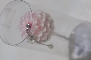 ピンクのグラデーションの丸い花のかんざし髪飾り 和装用。振袖・打掛・袴 成人式 卒業式 結婚式など