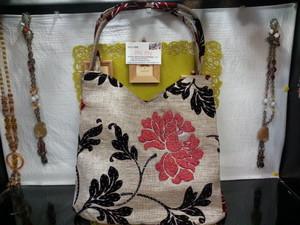 ベトナムバッグ・ハンドメイドバッグ・ビーズ刺繍バッグ・手刺繍バッグ・花柄バッグ・ベトナム雑貨PhiPhi D