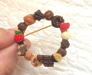 【送料込み】チョコレートブローチ artist nao