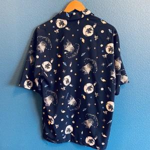 スペース柄のアロハシャツ