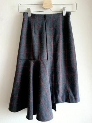 再入荷★アシンメトリーのチューリップ裾スカート